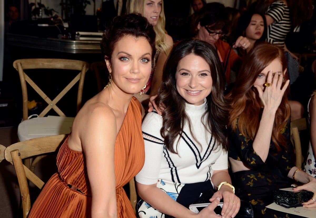 Les actrices Bellamy Young, Katie Lowes et Darby Stanchfield