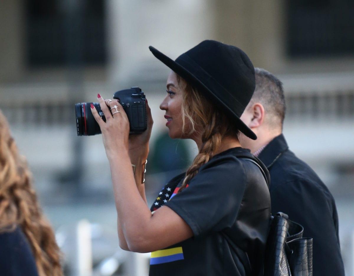 Beyoncé, son mari Jay-Z et leur fille Blue Ivy sont allés visiter le musée du Louvre à Paris