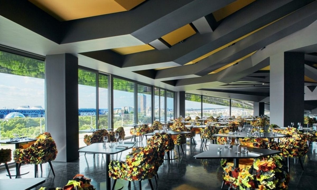 le nouveau hotspot sur un rooftop paris adaptation. Black Bedroom Furniture Sets. Home Design Ideas
