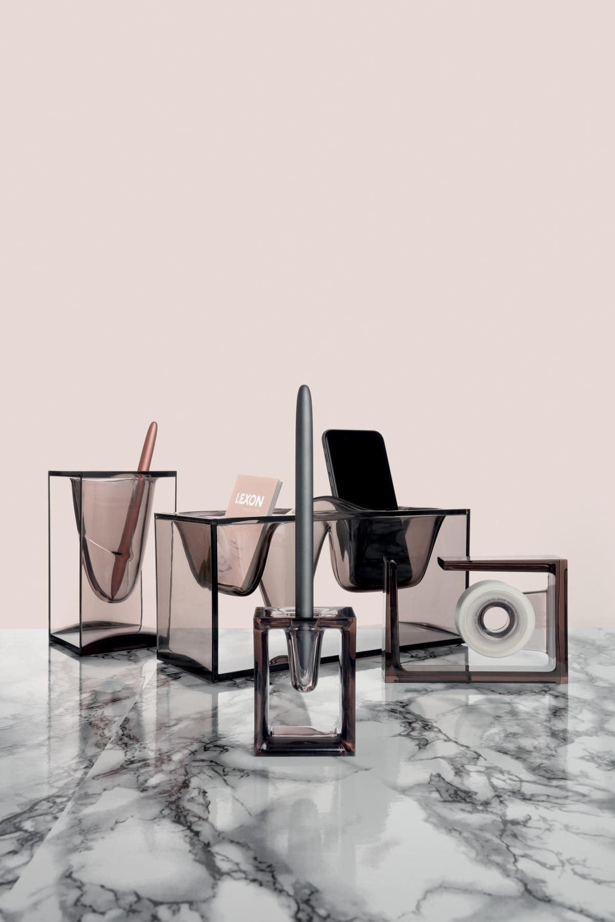 un bureau rang pour la rentr e adaptation. Black Bedroom Furniture Sets. Home Design Ideas