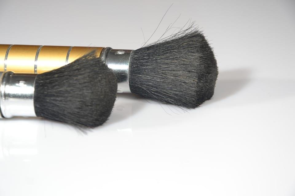 10 conseils pour nettoyer dans les r gles ses outils maquillage adaptation. Black Bedroom Furniture Sets. Home Design Ideas