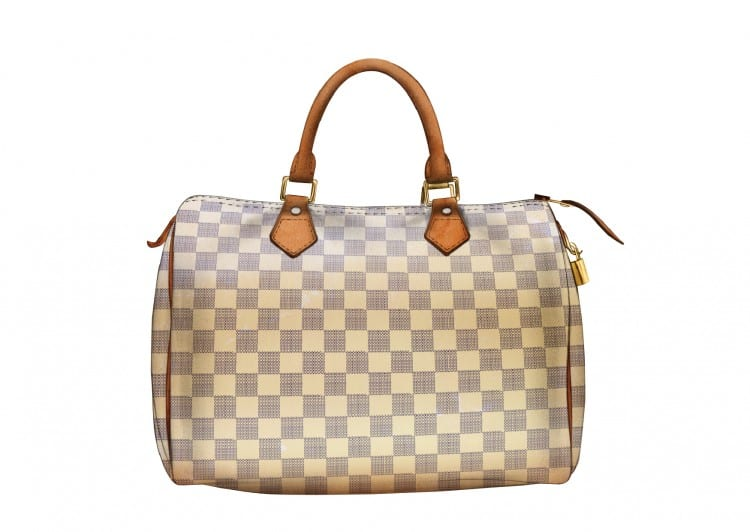 """n°2: Le """"Speedy"""" de Vuitton. Depuis 1965, date à laquelle Audrey Hepburn a demandé à Louis Vuitton de dessiner une version plus petite du """"Keepall"""", ce sac est un must."""