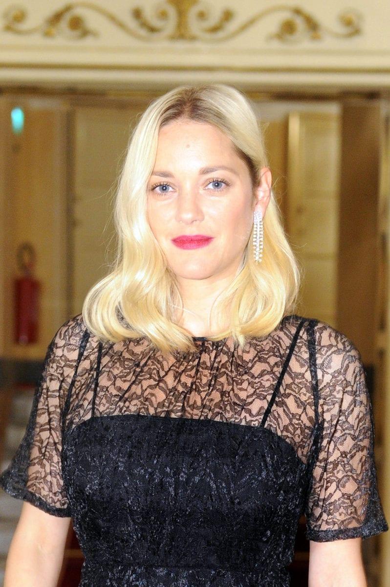 Картинки по запросу Marion Cotillard blond